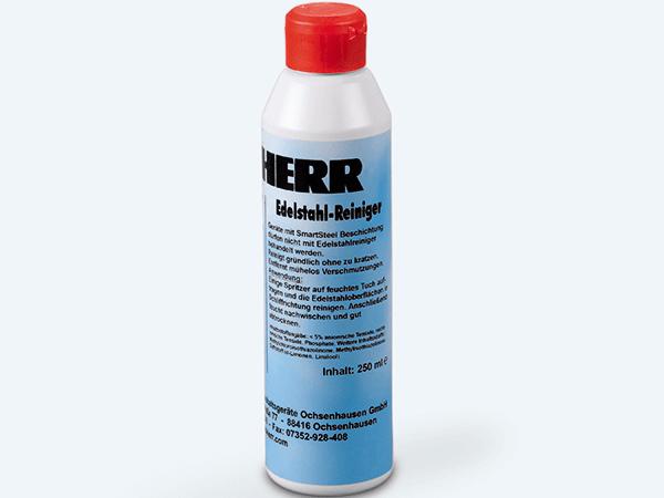 <strong>Edelstaal reiniger 250 ml.</strong> Vervuilde edelstalen deuren en wanden zijn met deze reiniger goed schoon te maken. Nieuwe vervuiling wordt tegen gegaan (niet geschikt voor SmartSteel deuren).