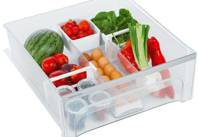 <strong>FlexSystem.</strong> De organizer voor BioFresh en BioCool-laden biedt overzicht en een opgeruimde lade. Zowel grote als kleine producten vinden een plaats. Het is bijvoorbeeld mogelijk te sorteren op soort fruit en groenten of te sorteren op houdbaarheidsdatum. Alle onderdelen van het FlexSystem zijn eenvoudig te reinigen en geschikt voor de afwasautomaat.